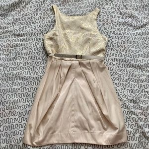 🌻2/$40🌻 Gold belted party dress